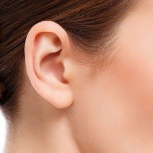 lóbulo de la oreja después de la cirugía